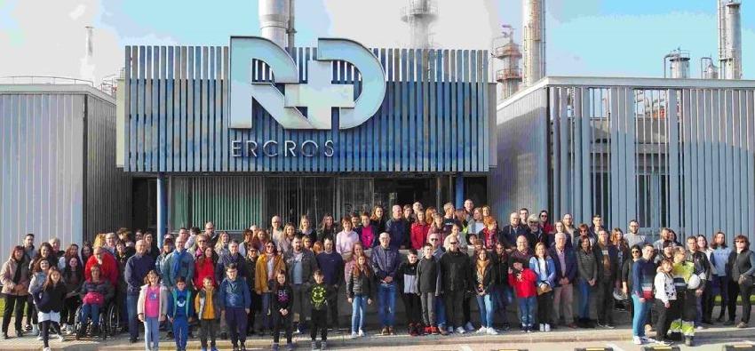 Gran éxito de la jornada de puertas abiertas de la fábrica de Ercros en Tortosa