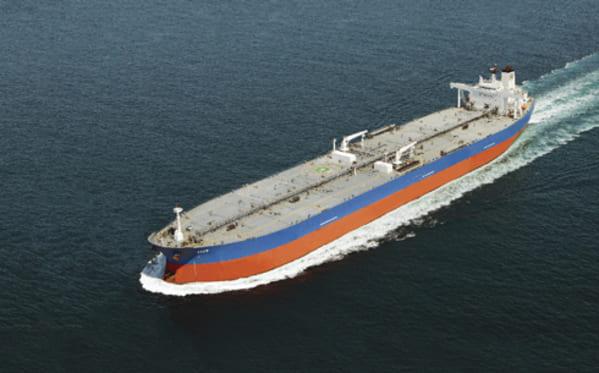 Repsol produce en Tarragona un nuevo combustible marítimo que reduce sus emisiones en el mar