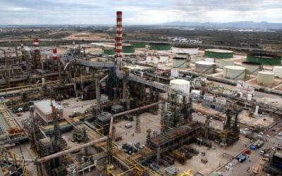 Repsol para su planta de combustible en Tarragona por primera vez en su historia