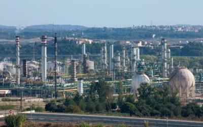 Repsol se une a Enerkem y Agbar para construir una planta de valorización de residuos en Tarragona
