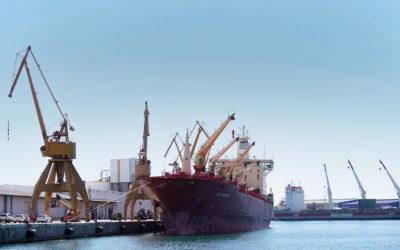 Petroquímicos y agroalimentarios apuntalan el crecimiento del Port